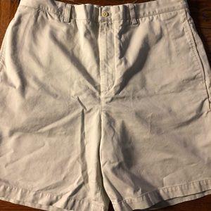 Vineyard vines men's khaki shorts size 36